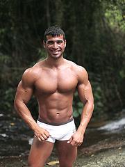 Naked latin guy Gustavo Levu showing his big muscled body