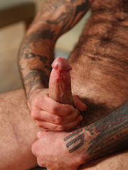 Hairy, muscled and very masculine, bisexual Seth showing his furry body