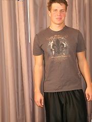 HMBoy Dirk signs up