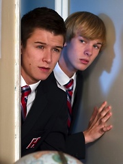 Two american boys have fuck in the school