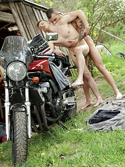 Biker Boy Gives His Smooth, Horny Lover A Heavyweight, Open-Air Raw Fucking!