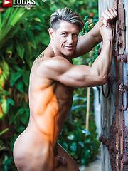 Bryce Evans Samples Jake Andrews' Ass Bareback